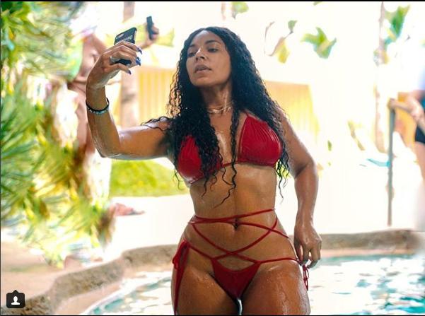 Bikini-clad Ashanti gets
