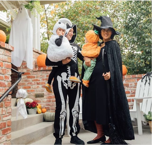 Mark Zuckerberg and his family show off their 2018 Halloween costumes (Photo)