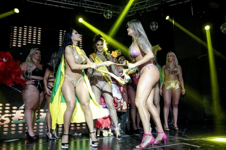Miss BumBum Contestants fight on stage as one accuses rival of cheating with 'fake butt' (photos)