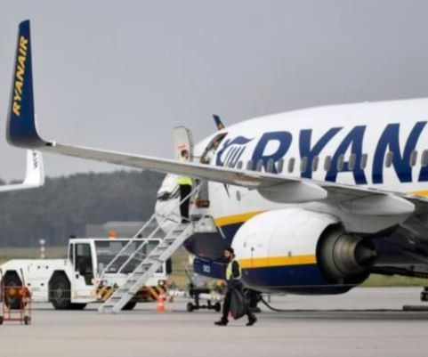 French government?impounds plane with 149 passengers because of the airline