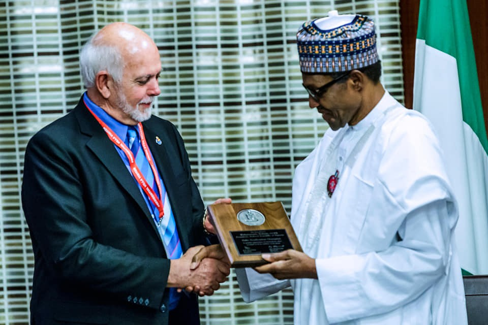 President Buhari?receives Polio Champion Awards from?Rotary International