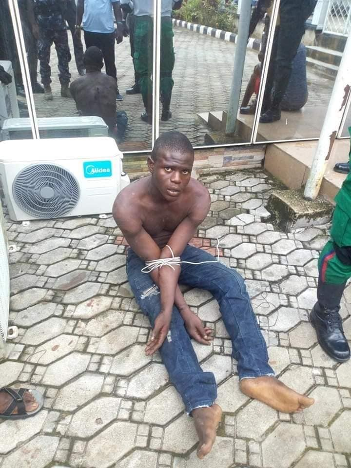 Update: Vigilante group apprehend man who killed 100 level Niger Delta University student over iphone (photos)