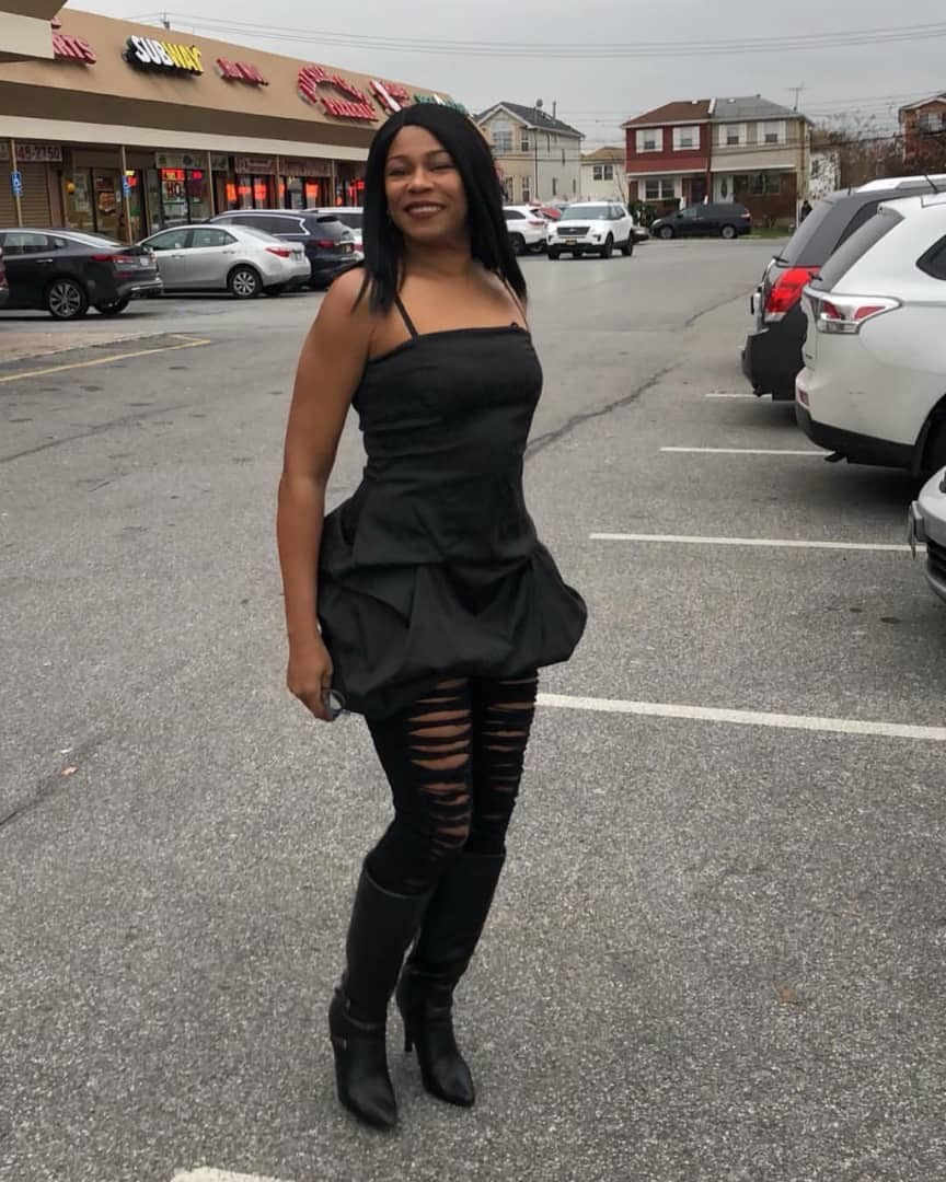 Photos: Regina Askia looks ageless in her all black ensemble