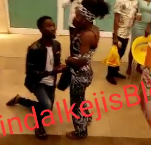 Video: Nigerian man publicly humiliates his girlfriend with a fake proposal at Onitsha shoprite