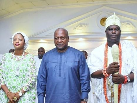 Former Ghanian President, John Dramani Mahana pays courtesy visit to Ooni of Ife (Photos)