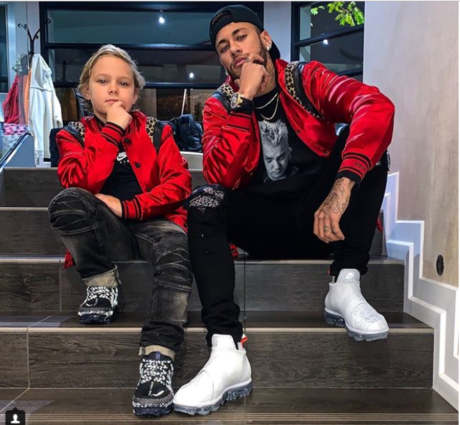 Football star Neymar and son Davi pose in matching outfits?(Photo)