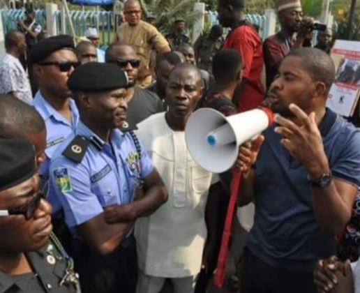 ?Deji Adeyanju arrested while leading an anti-Buhari?protest in Abuja