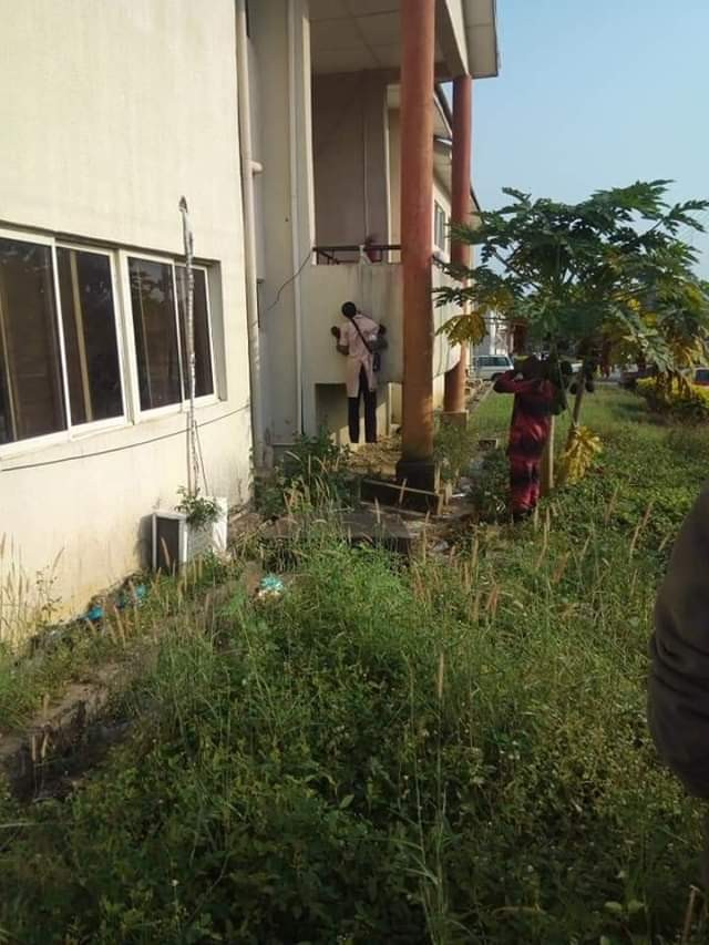 49-year old father of five allegedly commits suicide?inside?Ekiti State secretariat over huge debt (Photo)