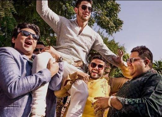 More photos from?Nick Jonas and Priyanka Chopra