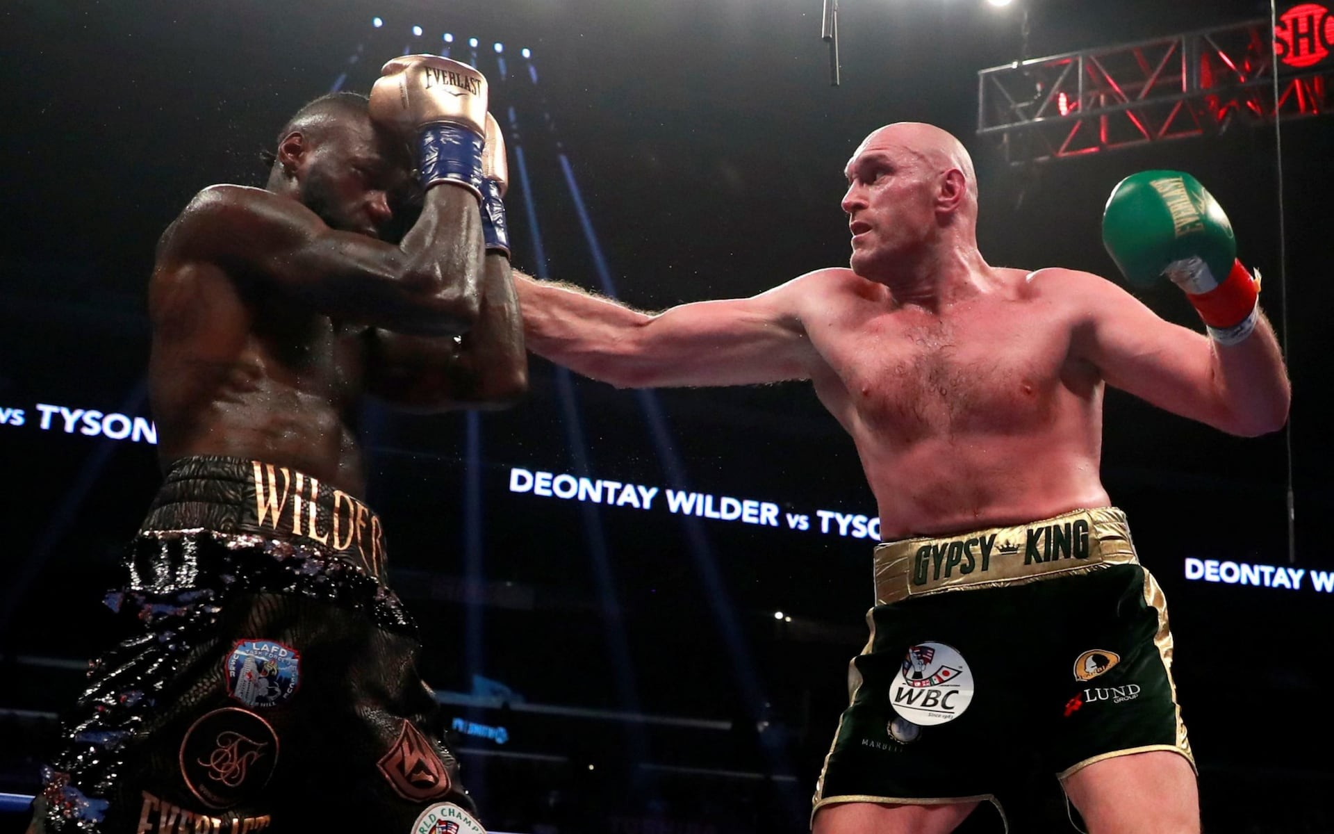 Deontay Wilder retains WBC heavyweight title by split draw with Tyson Fury - See results