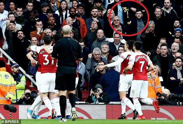 Tottenham fan arrested for throwing banana at Arsenal forward Pierre-Emerick Aubameyang (Photos)