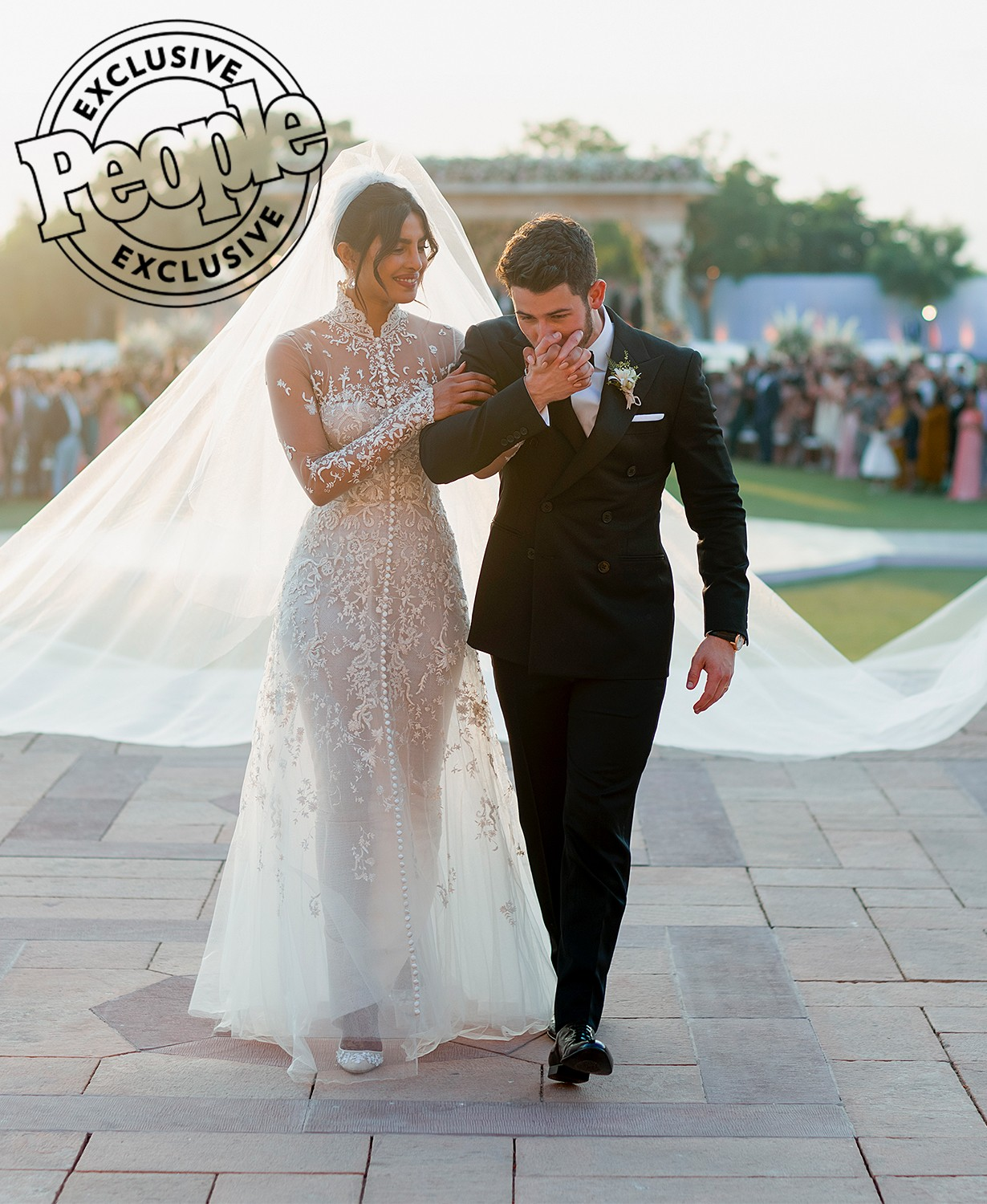 Newlyweds Priyanka Chopra and Nick Jonas release first official photos from their flamboyant wedding in India?