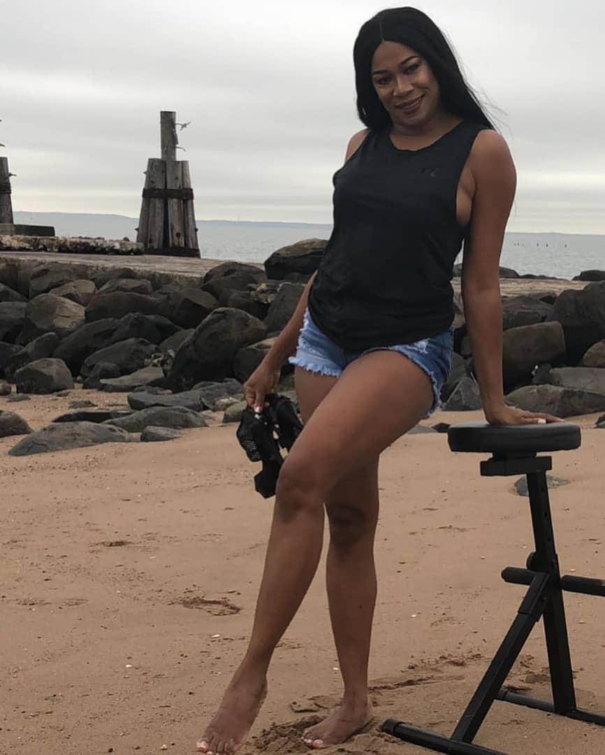 Regina Askia shows off her hot legs in sexy denim bum short
