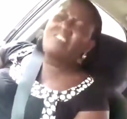 Watch trending video of an Uber driver tackling his female passenger because she did not