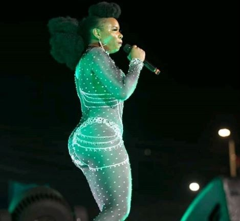 'Embrace your real self, stop increasing your 'Yansh' in pictures' - Yemi Alade shakes an epic table