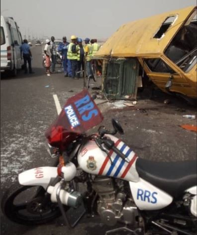 Photos from the accident involving a commercial bus on Third Mainland bridge today