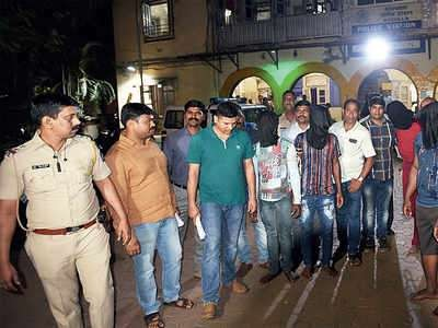 Photos: 14 Nigerian drug peddlers arrested in raids in India