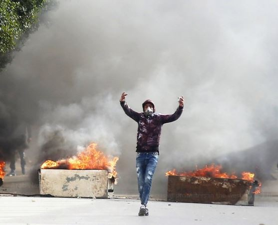 32-year-old journalist sets himself on fire over harsh living conditions in Tunisia