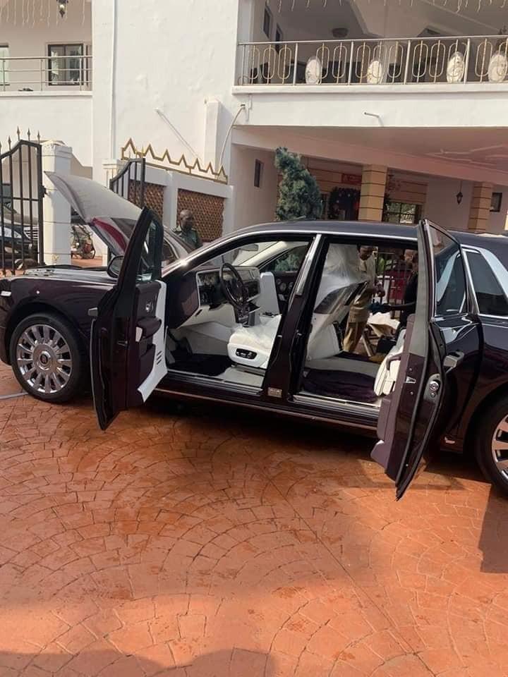 Billionaire businessman, Arthur Eze, acquires 2019 Rolls Royce (photos)