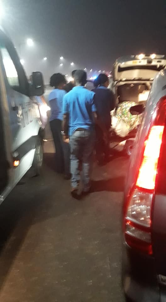 Family traveling to the east involved in fatal accident after a car rammed into theirs at a police check point in Lagos (graphic photos)