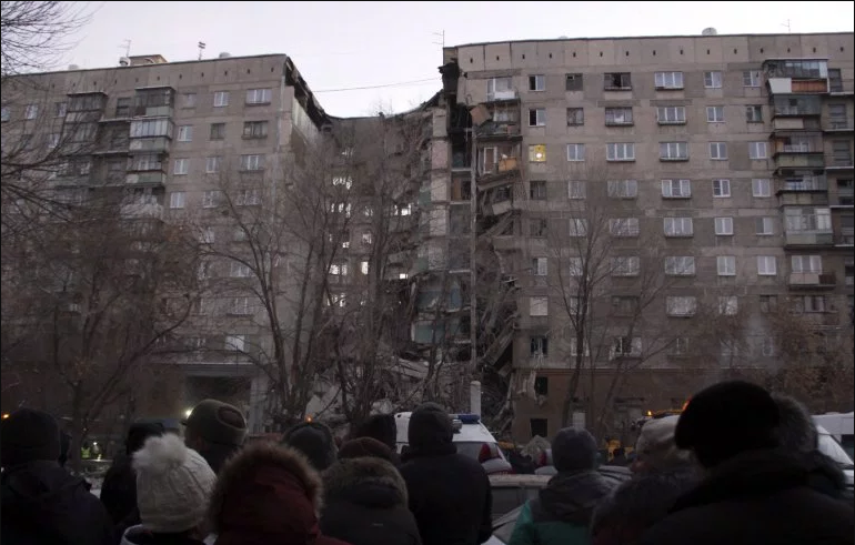 3 dead, 79 missing after gas explosion destroys flats in Russia
