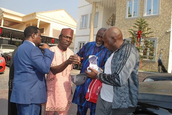 Photos of Dino Melaye arriving the police clinic Abuja