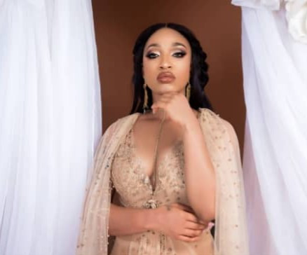 Tonto Dikeh forbids getting back with Churchill after a follower prayed that they would (screenshots)