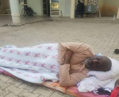 Photo: Senator Melaye continues to sleep outside the DSS medical facility