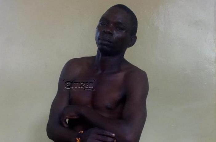 Kenya: accusé d'avoir volé des vêtements, il se rend nu au tribunal (Photo)