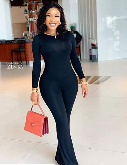 Tonto Dikeh flaunts her curves in sexy new photo