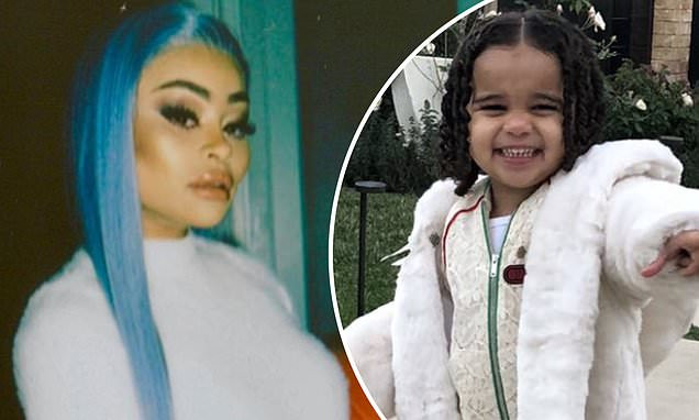 Police officers are called to Blac Chyna