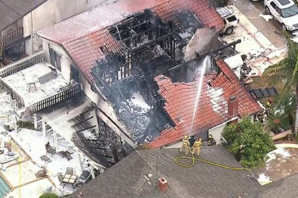 5 People Killed, 3 Injured After Plane Crashes Into House In California