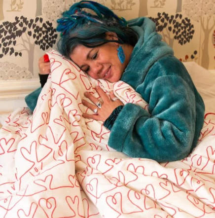 Woman who revealed plans to marry her duvet begins to have second thoughts after people start calling her