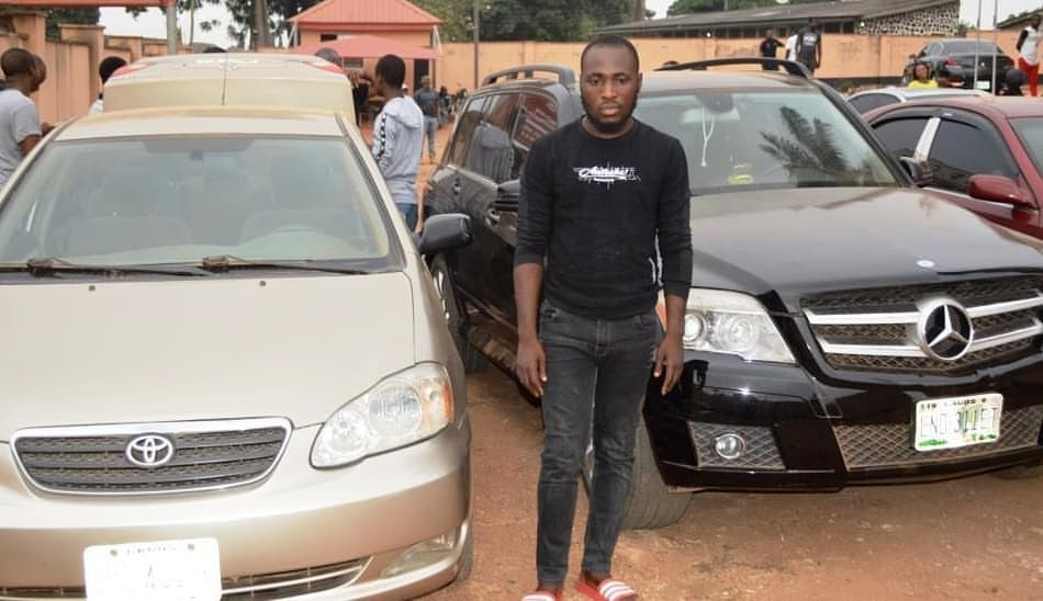 Photos: Seven Internet fraudsters arrested in Ibadan, exotic cars recovered