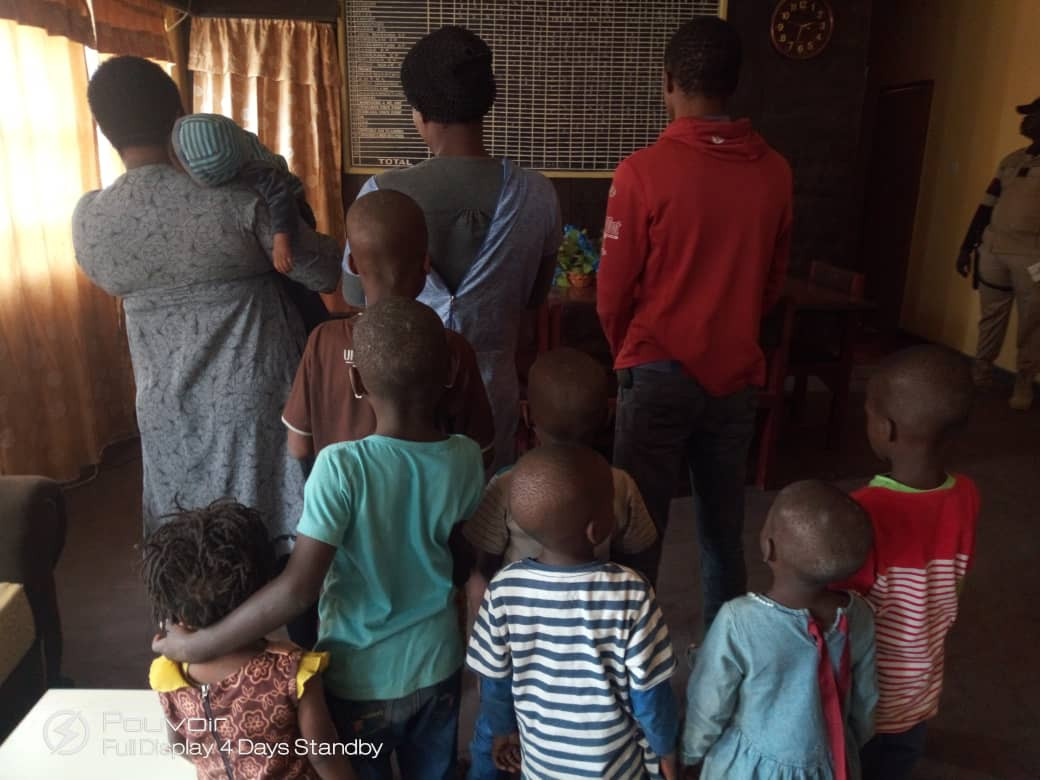 Photo: Immigration arrests two suspected human traffickers in Katsina State, rescue nine children