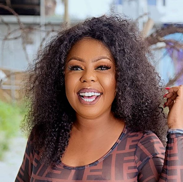 Braless Afia Schwarzenegger flaunts her boobs in see-through top to celebrate her birthday (18+Photo)