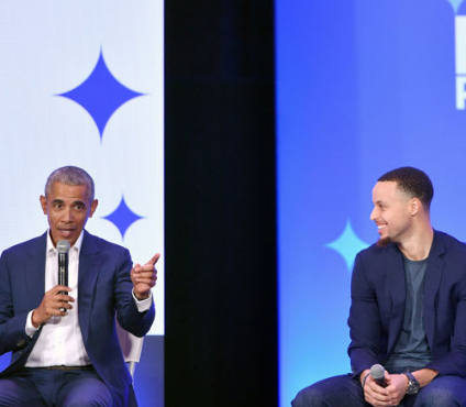 Barack Obama shakes table on which most entertainers stand (video)