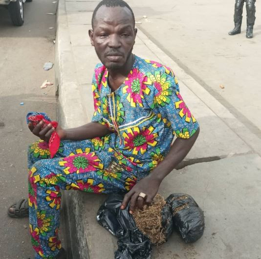 Photos: Man caught hawking weed in Lagos during #NigeriaDecides