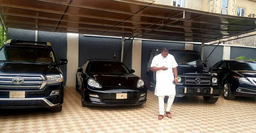 Photo: Nigerian big boy, Escoba Smith shows off his fleet of expensive cars