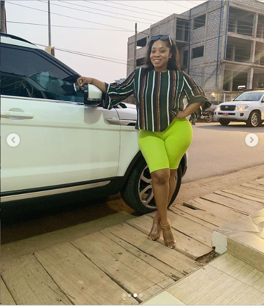 Curvy actress Moesha Boduong sends her followers into a frenzy as she shows off her fat camel toe on IG (Photos)