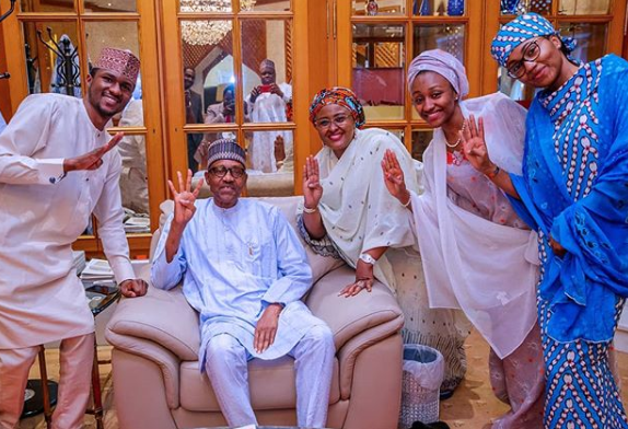 Lovely photo of President Buhari, Aisha and their children