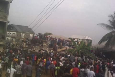 One dead another trapped as two 3-storey buildings collapse in Aba, Photos/Video: One dead, another trapped as two 3-storey buildings collapse in Aba