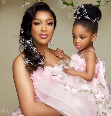 Beautiful photos of Dabota Lawson and her daughter