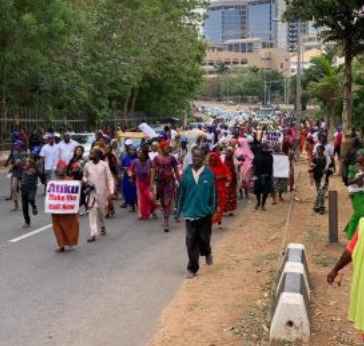 Two million women storm Abuja to beg Atiku to concede defeat and congratulate Buhari