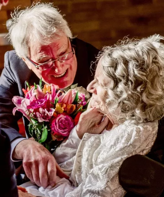 72-year-old woman who turned down 42 marriage proposals from her boyfriend finally agrees to marry him after over 4 decades