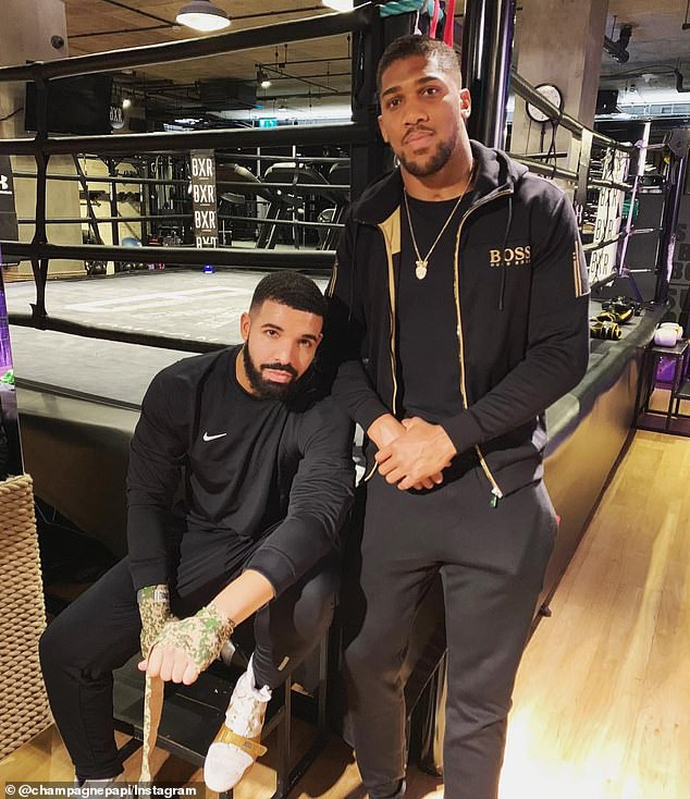 Amir Khan, Embattled Amir Khan apologises to Anthony Joshua over infidelity row