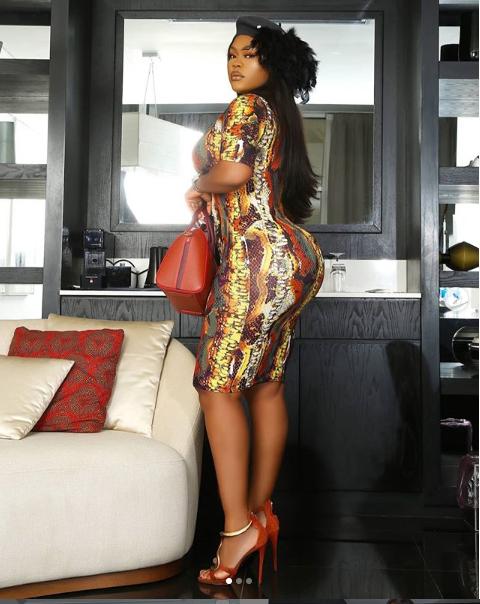Actress Daniella Okeke flaunts her massive behind in figure-hugging dress (Photos)