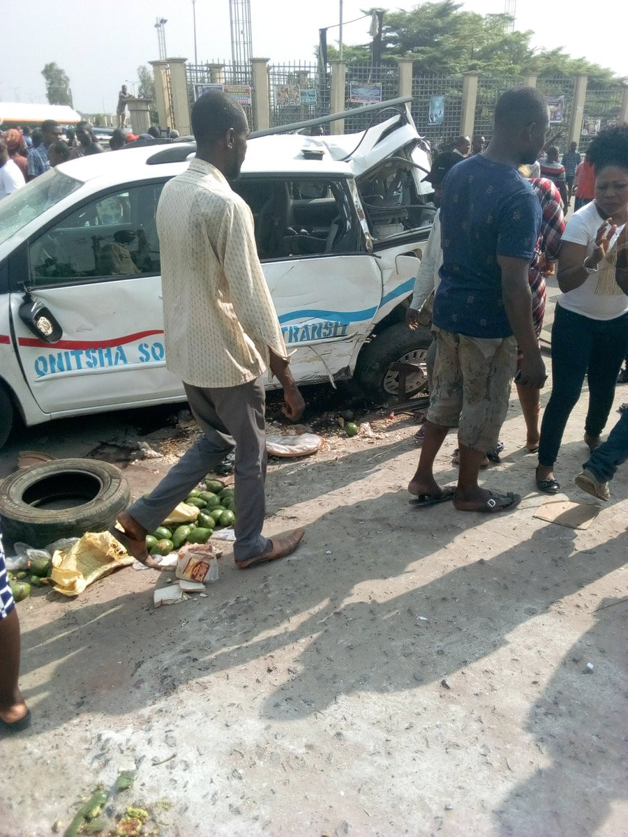 Photos/Video: Many killed as trailer loses control in Anambra