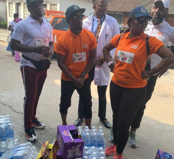 Bisola, Mama Tobi, Jeff Akoh visit victims of Lagos Island building collapse at?General Hospital, Marina (Photos)