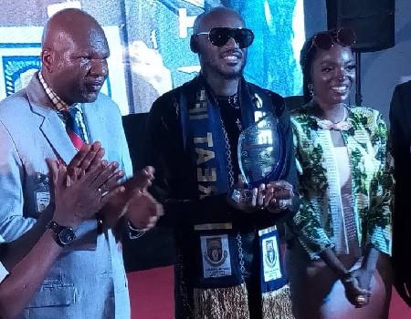 Photos: 2face Idibia bags Music fellowship award from the Obafemi Awolowo University
